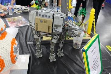Comicpalooza 2017 - ATAT Lego