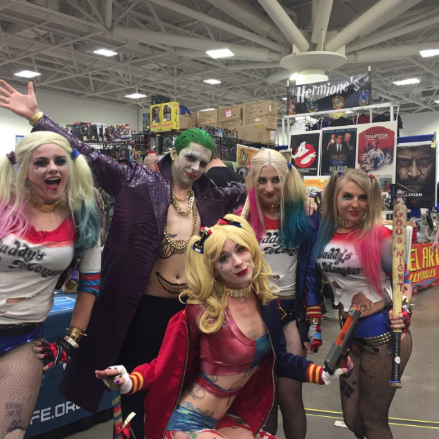 Wizard World Minneapolis 2017 - Harley Quinns | Joker